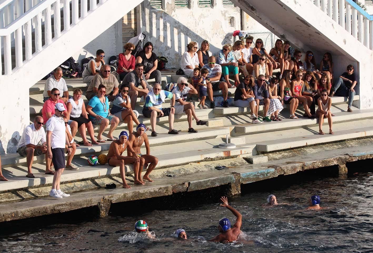All'Ausonia la Festa della Pallanuoto Trieste, con amichevole in famiglia e tanto divertimento.