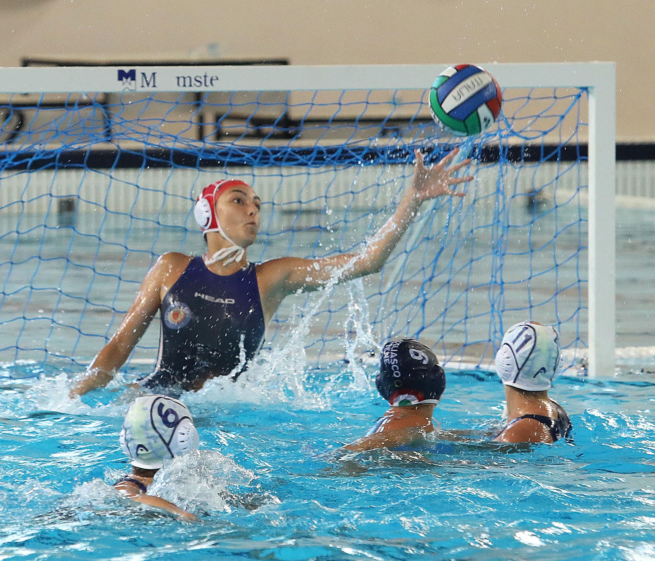 Under 15 femminile: finali scudetto, la Pallanuoto Trieste batte l'Acquachiara (8-2) e vola in semifinale
