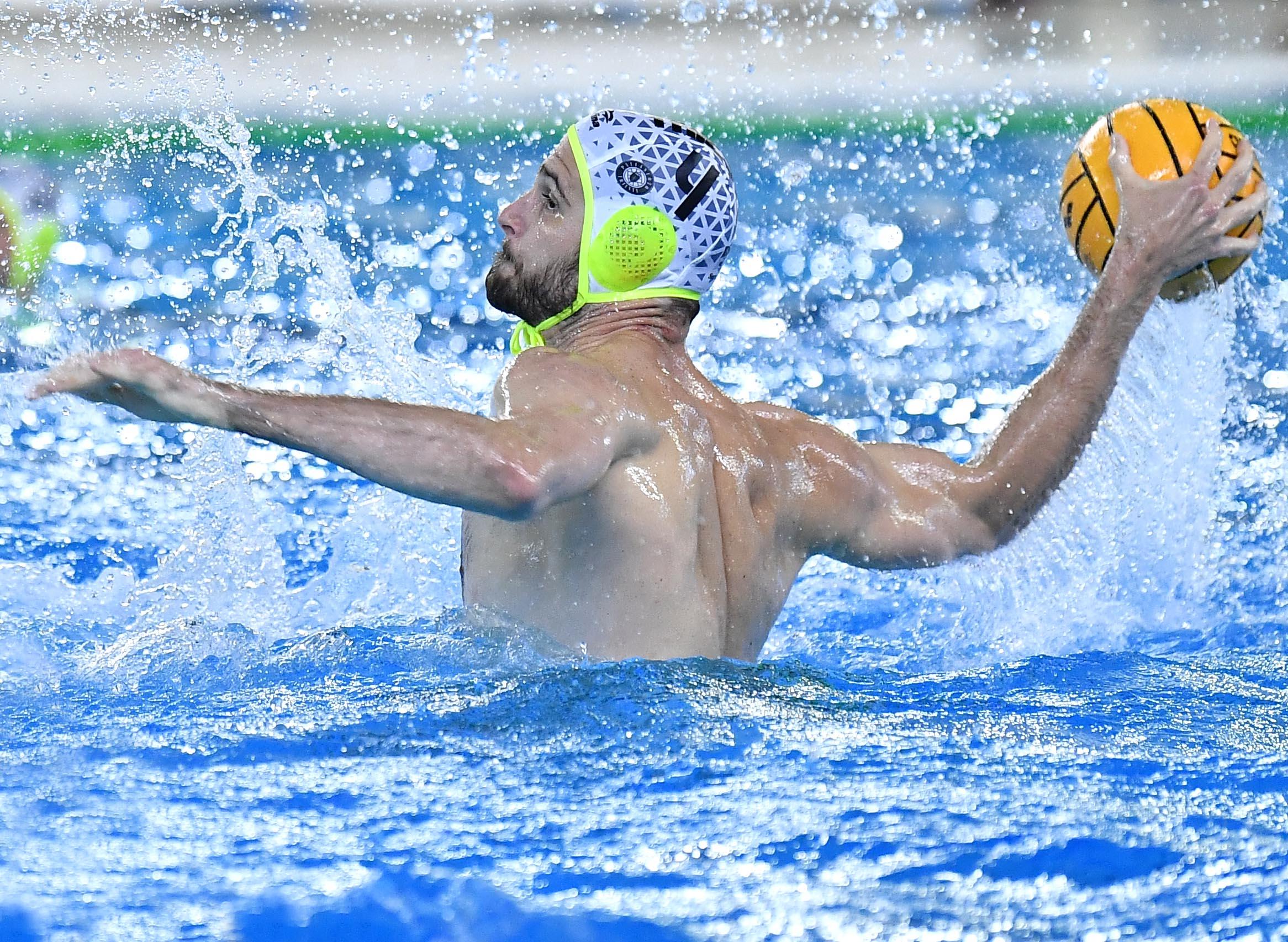Esordienti A: finalmente gare di nuoto, piccoli alabardati in vasca