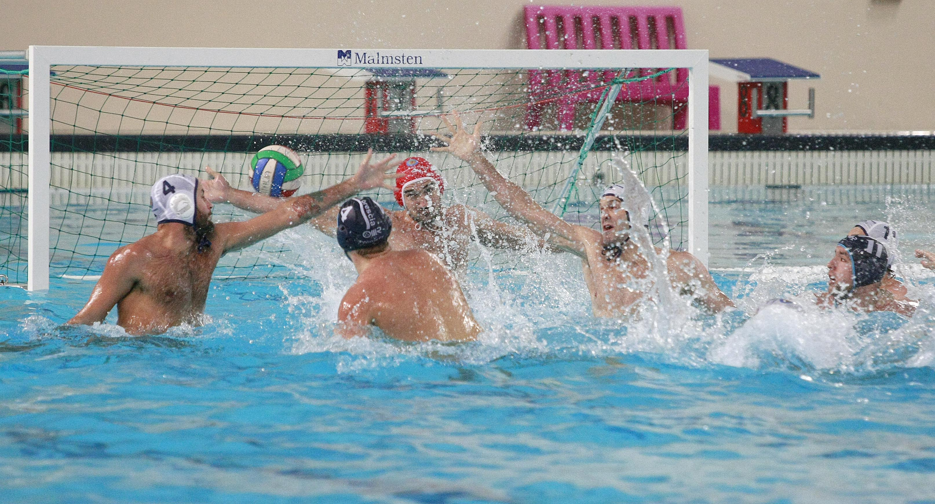 A Santa Maria Capua Vetere la Pallanuoto Trieste cade con l'Acquachiara (13-9). Match equilibrato, il divario si allarga solo nel finale
