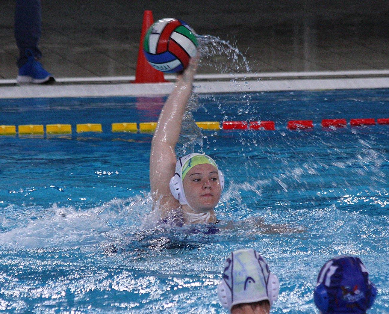 """Under 17 femminile: girone di semifinale nazionale della """"Bruno Bianchi"""", la Pallanuoto Trieste batte nettamente il Varese Olona (13-3)"""
